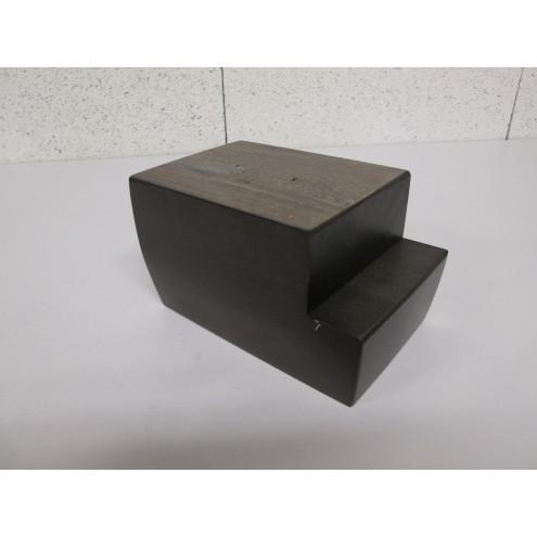 Pien en bois forme cube-escalier pour canapé et fauteuil