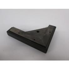 Pied bois côté droit forme L - L:200mm  l:150mm  H:30mm