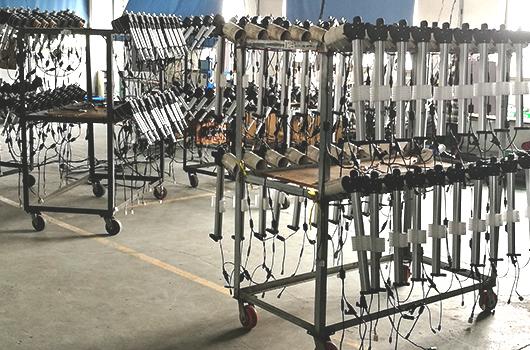 Visite d'un fabricant de pièces détachées